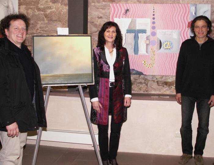 Links im Bild Publikumspreisträger Andi Schmitt, rechts im Bild Jurypreisträger 2012 Edwin Kaiser. Mit  auf dem Bild: Erste Bürgermeisterin Helga Schmidt-Neder.