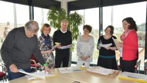 Foto Jurysitzung (von links nach rechts):    Jan Buchholz, Isa-Maria Röhrig-Roth , Prof. Jürgen Rieckhoff, Dr. Mareile Oetken, Rebecca Schmalz und Susanne Wunderlich